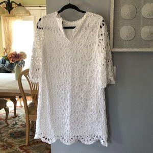 Ann Taylor Dresses - NWOT Ann Taylor Scallop Eyelet Shift Dress